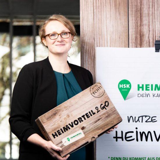 Heimvorteil HSK_Karin Gottfried mit Heimvorteil2Go Box